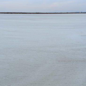 Πάγωσε η λιμνοθάλασσα στο Καλοχώρι
