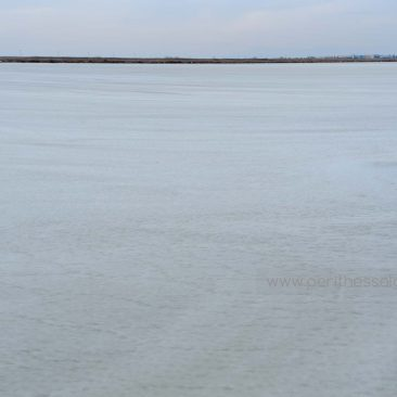 The lagoon of Kalochori is frozen